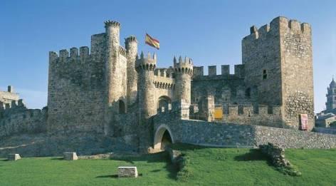 castillo_temple_ponferrada_t2400277.jpg_1306973099