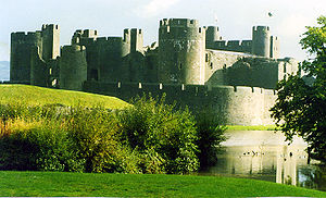 300px-Caerphilly_Castle,_Wales